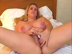 Plumper has fun with dildo